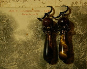 Earrings in Garnet and Tiger's eye.