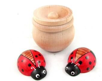 Red Ladybug and Pot Set - Set of Large Red Ladybugs and Pot - Pot of Large Ladybugs by MDH Toys
