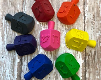 Hanukkah Gifts - 8 DREIDEL CRAYONS  - Party Favors - Winter Holiday - Chanukkah - Happy Hanukkah Holiday - 8 Days of Hanukkah Gifts