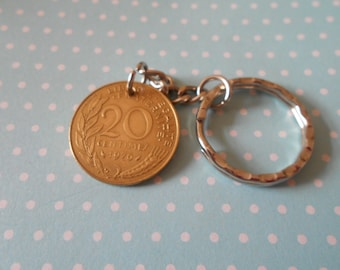 France  20 Centimes coin 1976  attched to a keychain.