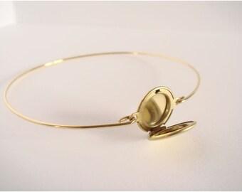 Locket bracelet - Gold locket bangle - Minimalist jewelry - Everyday jewelry - Gold Bangle
