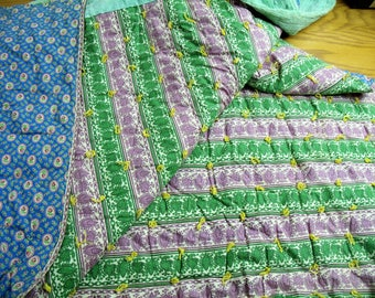 """Vintage 1940s Quilted Blanket yarn tied 79"""" x 88"""" green purple stripe blue flowers double full size"""