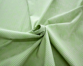 990061-087 Brocade, Co 53%, Pl 37, Pa 10, Width 140 cm, manufactured in Italy, dry cleaning, weight 279 gr, price 1 meter: 57.41 Euros