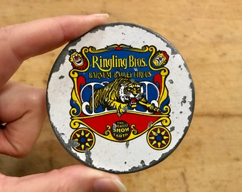 70s 80s vintage Ringling Brothers Barnum Bailey circus collectible belt buckle
