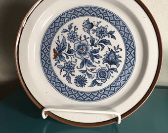 Blue and white pottery plate
