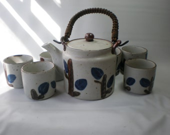 Vintage Stoneware Teapot and 6 Matching Cups