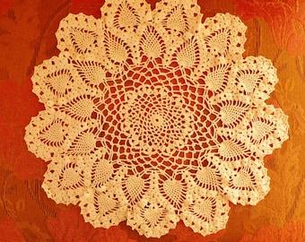 Vintage Doilie Vintage Linens Pineapple Pattern Doily