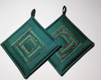 Green  Pot Holders Quilted Potholders   Patchwork Potholders  Gift Set Of 2