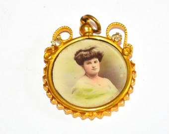 Victorian Ornate Photo pendant Early 1900s PRT 017
