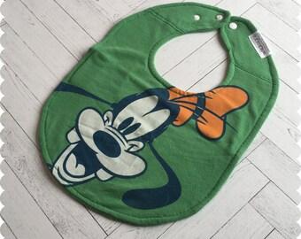 Goofy Baby Bib, Recycled T-Shirt Baby Bibs, Disney Baby, Disney Bib, Baby Shower Gift, New Baby Gift