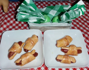 """Pigs In a Blanket Doll Food for 18"""" dolls"""
