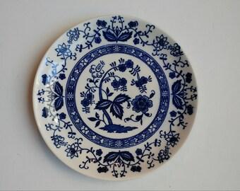 BLUE ONION Saucers Dinnerware Floral Pattern