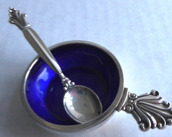 Georg Jensen Antique Sterling (925) Salt Cellar & Spoon - Acanthus Pattern