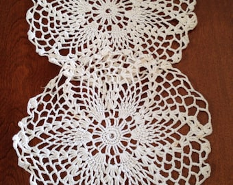 Sale item, 2 Vintage round doilies, crocheted doilies, white doilies, 8 1/2""