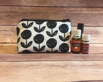 Black flower oil bag, essential oil bag, oil bag, essential oil case, essential oil storage, essential oil case, travel bag, zipper bag,