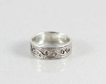 Sterling Silver Scroll Band Ring size 7 3/4