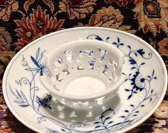"Meissen blue onion Porcelain pierced saucer holder rare 5.75"" wide"