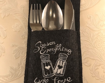 """2 Cutlery bags """"season everything with Love"""""""