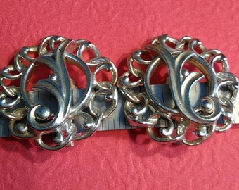 Vintage Sarah Coventry Silver Toned Clip On Earrings Used