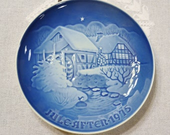Vintage Christmas Plate 1975 Christmas at the Old Water Mill Blue and White Bing Grondahl B & G Copenhagen Porcelain Denmark PanchosPorch