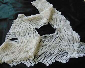 Vintage hand crochet white cotton lace edging for a table cloth 34 inches x 34 inches