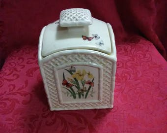 Vintage butterfly box with lid