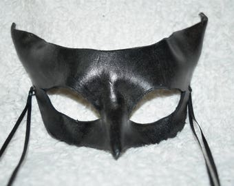 Black cat, bat leather mask