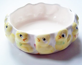 Vintage Mid Century Baby Chick Ceramic Bowl or Planter - Hand Painted Yellow Chicks Planter - Mid Century Kitsch Bowl - Easter Bowl - Yellow