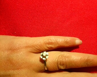 Solitaire ring white gold and diamond