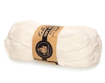 01 Off White Mayflower Organic Cotton 8/4 50g