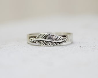 sterling silver feather band, modern ring, feather jewelry, boho ring, wedding ring, thumb ring, promise ring, Mothers Day Gift