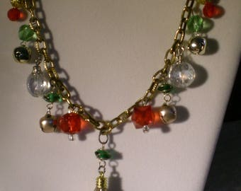 A Classy Christmas Necklace