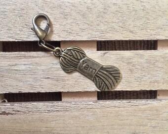 Yarn Progress Keeper, Stitch marker, Zipper Pull, Removable Stitch Marker, Key Chain