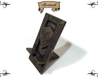 Wooden Triforce Cell Phone Stand, Holder, Mount, Easy Access for Charging