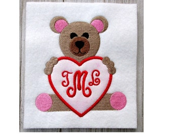 Bear Embroidery Design, with Heart, Machine Embroidery, Applique, 3 Sizes, Teddybear, No Fonts Included