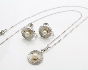 Vintage 1950s Theda Sterling Silver Earring and Necklace Set w Cultured Pearls. [517]