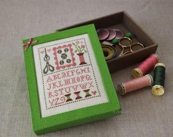 boite de rangement boite cadeau Boite à couture, Boite à clé Boite à bijoux, cartonnage simili cuir, boite avec broderie, coffret abécédaire