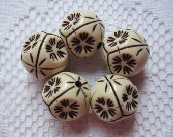 5  Ivory Cream & Brown Etched 6 Sided Acrylic Hexagon Beads  20mm