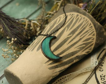 Emerald moon necklace, boho necklace, wiccan necklace, wicca necklace, Crescent moon necklace, occult necklace, witch necklace