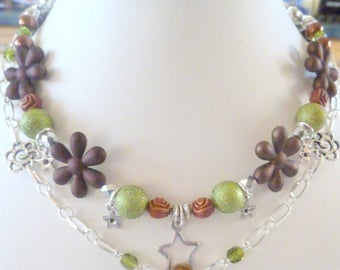Brown green necklace chain fall flowers hand made collection Barbara travel 2017