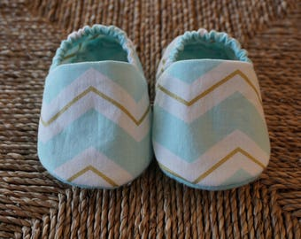 Mint Green Chevron Baby Shoes, Crib Shoes, Soft Sole Baby Shoes, Baby Bootie, Baby Moccs, Baby Moccasins, Baby Booties, Baby Shower Gift