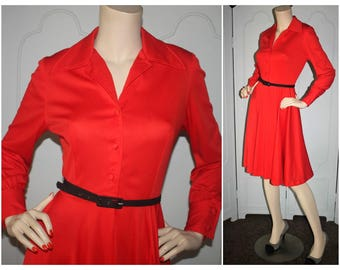 Gorgeous Vintage Cherry Red 1970's Button Front Dress. Small.