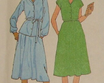 Gathered Skirt with Pockets, Button up Blouse 1970s Vintage Sewing Pattern SIMPLICITY 8984, UNCUT