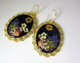 Large Real Flower Earrings on Peacock Resin,   Pressed Flower Jewelry, Resin (3034)