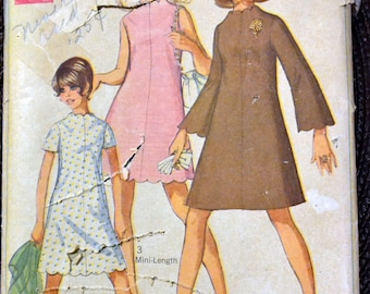 Vintage 1960's  Sewing Pattern Simplicity 7938 Young Teens' Dress Scallops  Bust 35 inches Complete