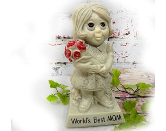 Russ Berry figurine - World's Best Mom - Mother's Day gift - R & W Berries - vintage Russ Berrie  - collectible figurine , # 80