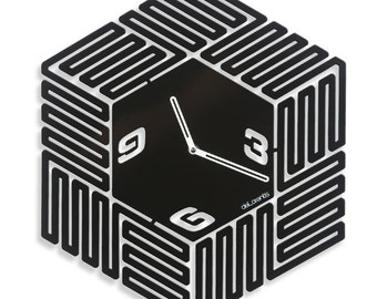 Design wall clock Labyrinth
