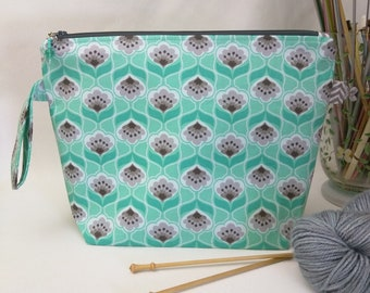 Medium Wedge Bag - Minty Gray with Padded Organizer Pocket