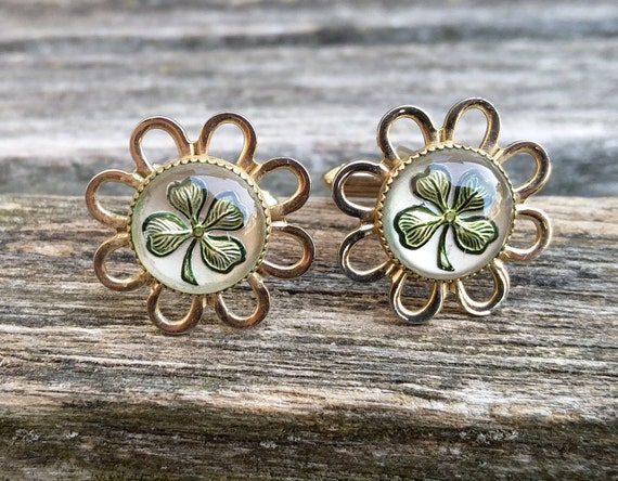Vintage Shamrock Cufflinks. Gold Tone. Lucky,  St. Patricks Day, Wedding, Men's, Groomsmen Gift, Dad, Christmas