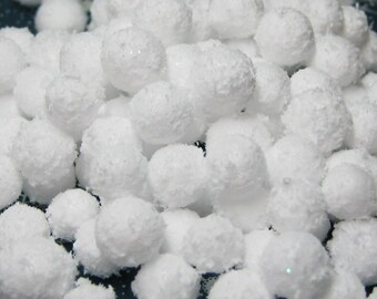 Miniature snow balls 150 pcs winter craft DIY snowballs 6mm - 11mm diameter craft decoration dollhouse embellishment kawaii decoden foam